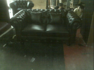 IMG 20151003 185229 300x225 Sofa Chesterfield Mr Young Thomas Cuns Project